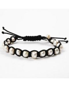 A braided, black Bracelet with white Freshwater Pearls