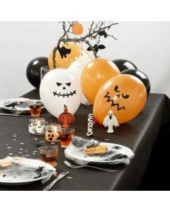 Decorating a Halloween Table