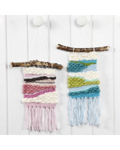 A woven Wall Hanging with Acrylic Manga XL Yarn