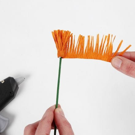 How to make the stamen for crepe paper flowers (the fringe/wrapping technique)