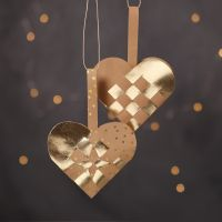 Woven Christmas Heart Baskets from natural and gold coloured Faux Leather Paper