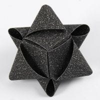 A cube-shaped Star from glittery Vivi Gade Paper Star Strips