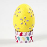 Eggs with an embossed Pattern painted with Craft Paint