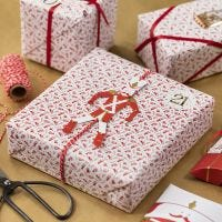 Creative Gift Wrapping with a Jumping Jack
