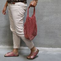 A crocheted shopping bag from cotton yarn