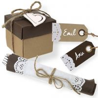 Brown Table Decorations, Napkin Decoration and Place Cards with nostalgic Lace